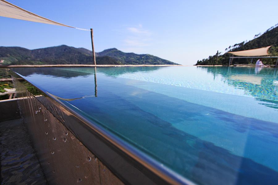 Costa di Faraggiana_dettaglio piscina.jpg